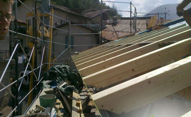 Montaggio tetto – carpenteria in legno