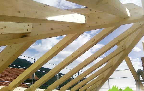 Montaggio tetto - carpenteria in legno