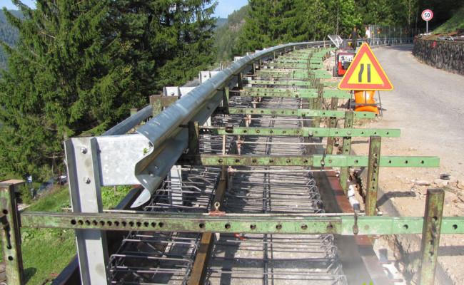 realizzazione-banchettone-e-guard-rail-strada-provinciale